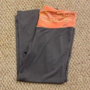 LA gear flare out capri pants size L
